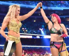 Asuka defeats Charlotte Flair